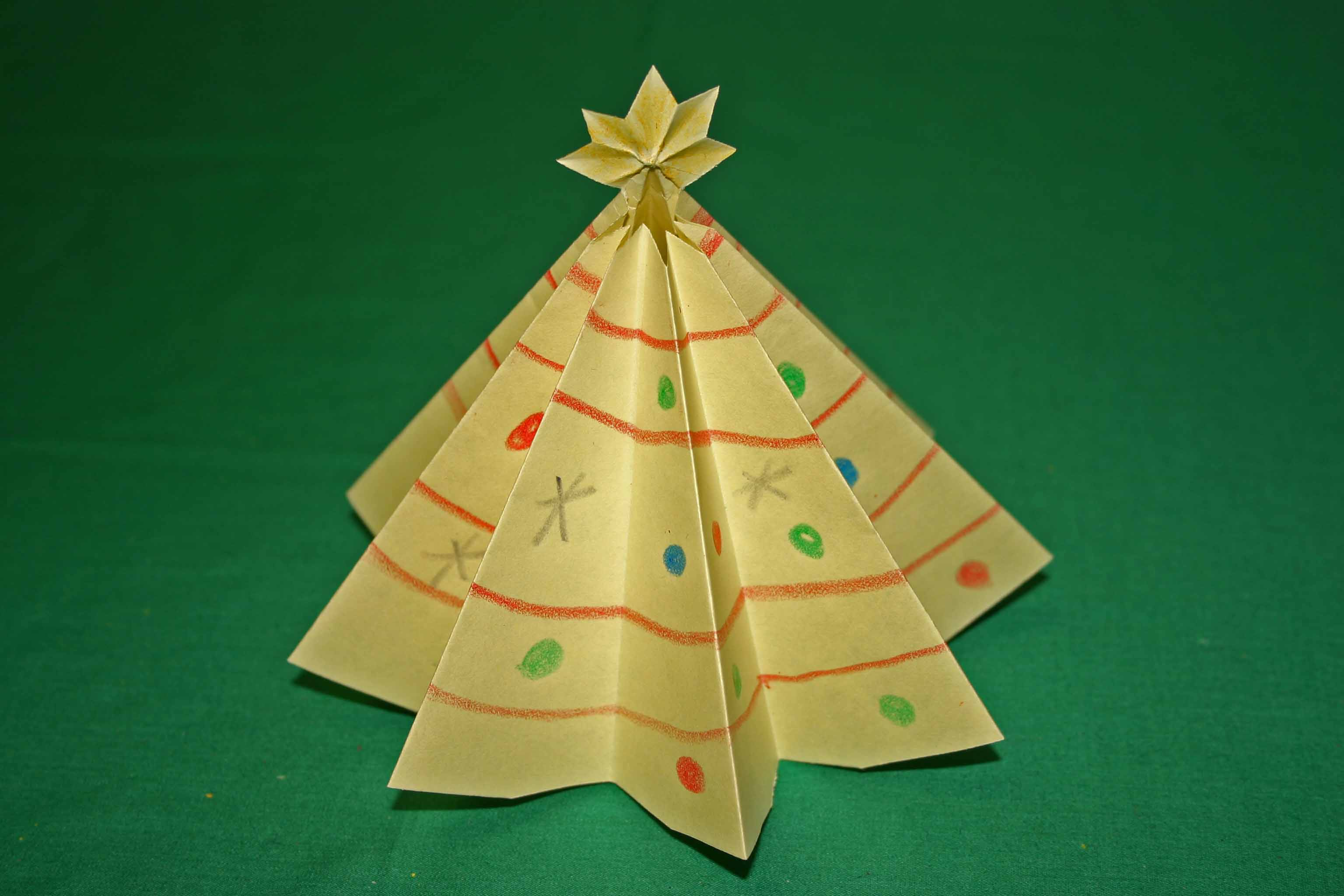 Easy Christmas Crafts Paper Tree Yellow Finished SuyeCwr2